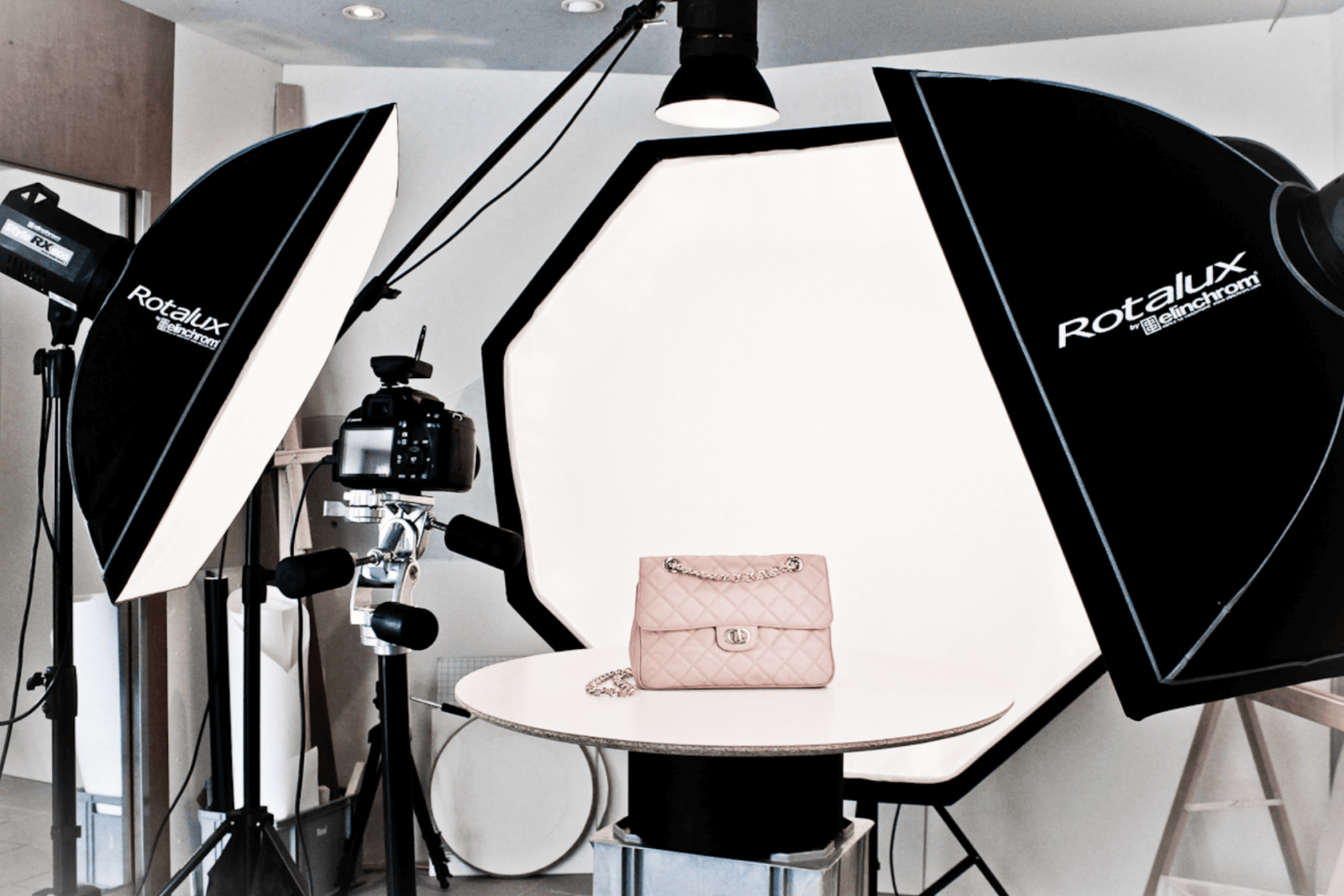 9 ALTERNATIVES TO WHITE BACKGROUND PRODUCT PHOTOGRAPHY